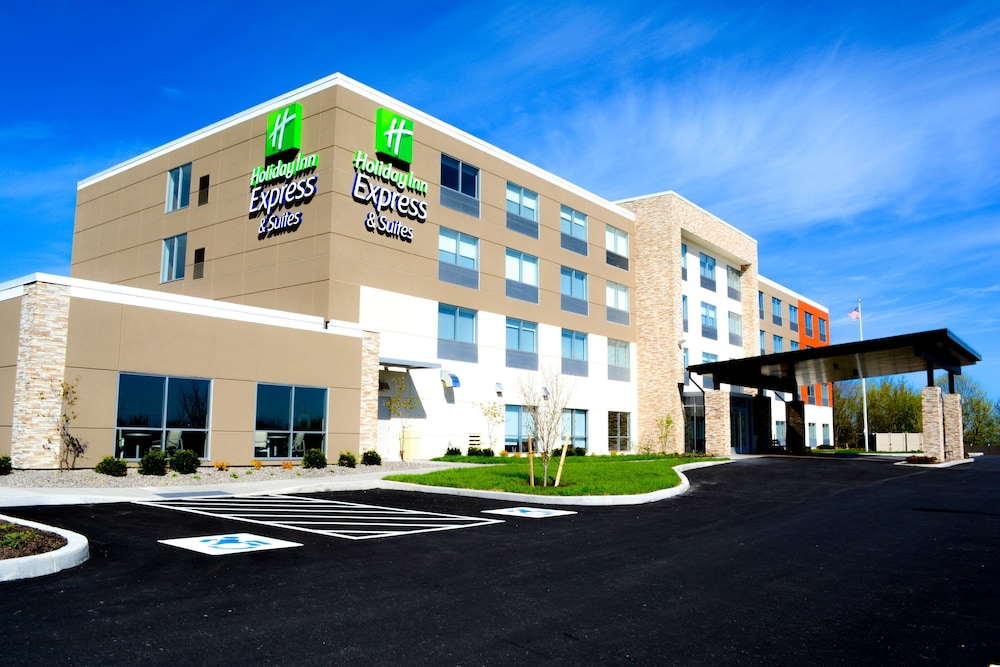 Featured Image, Holiday Inn Express & Suites Oswego, an IHG Hotel