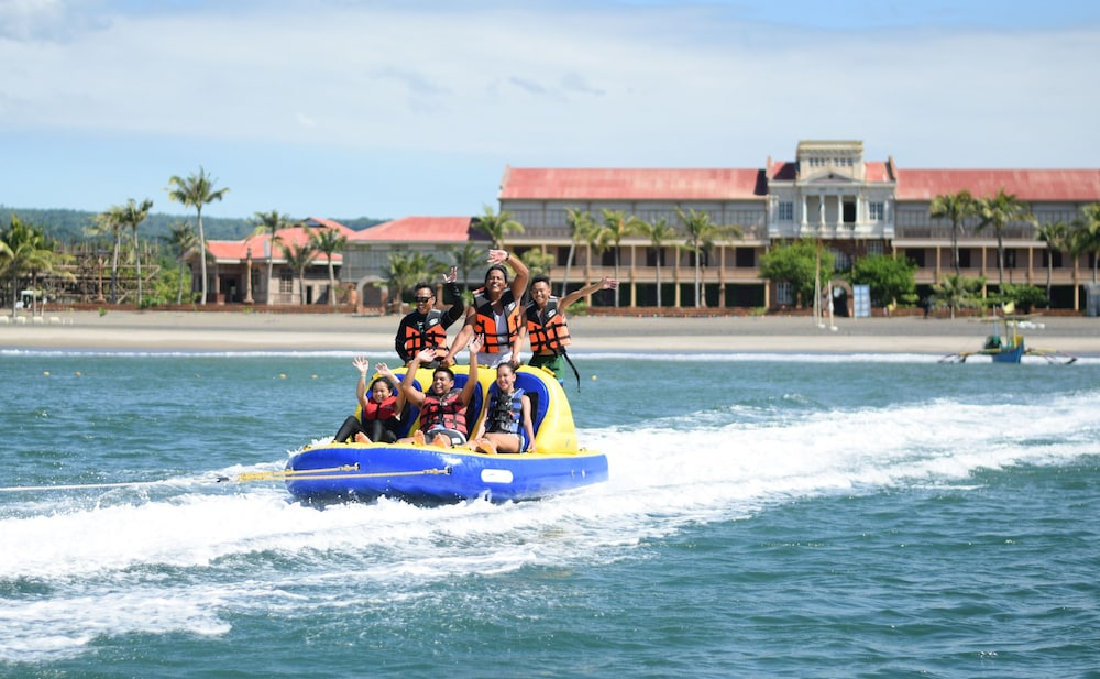 Boating, Las Casas Filipinas de Acuzar