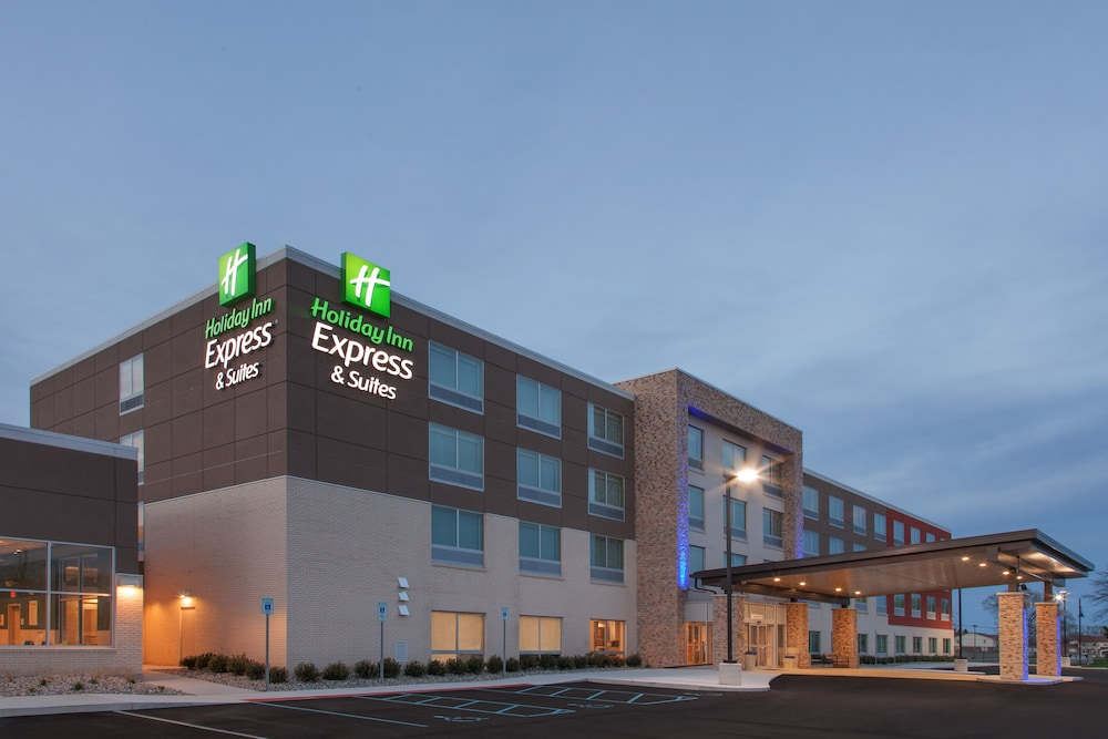Featured Image, Holiday Inn Express and Suites Detroit/Sterling Heights, an IHG Hotel