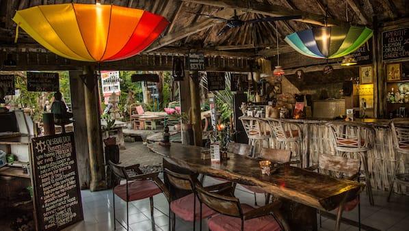 3 bar/lounge, bar pantai