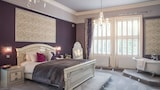 Derby Manor Hotel & Shades Restaurant - Bournemouth Hotels