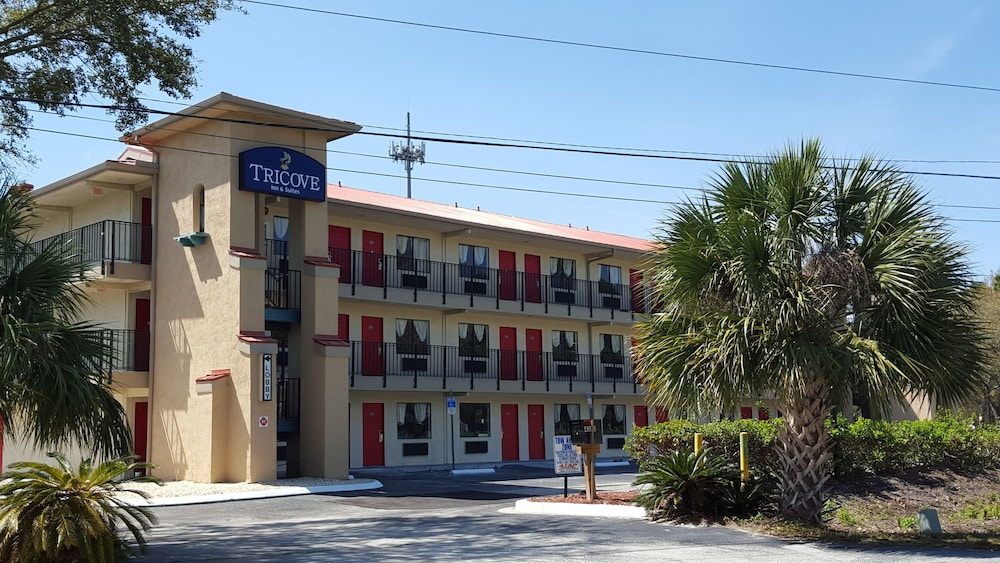 Front of Property, Tricove Inn & Suites