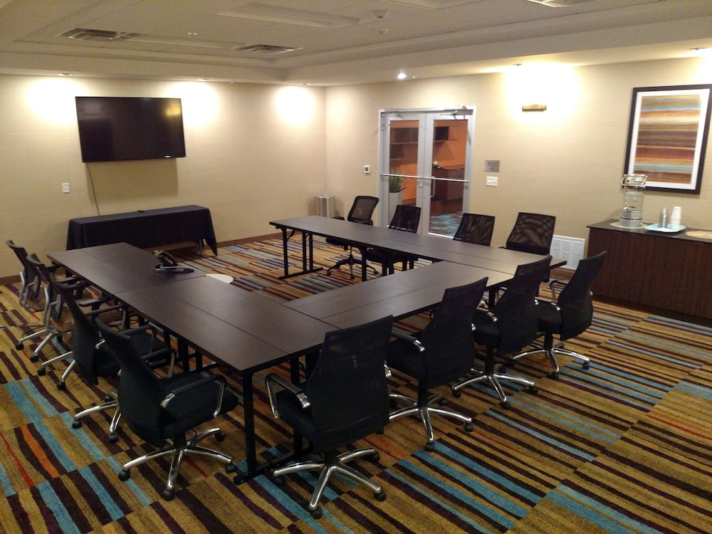 Lincoln Ne Hotels With Meeting Reception Rooms