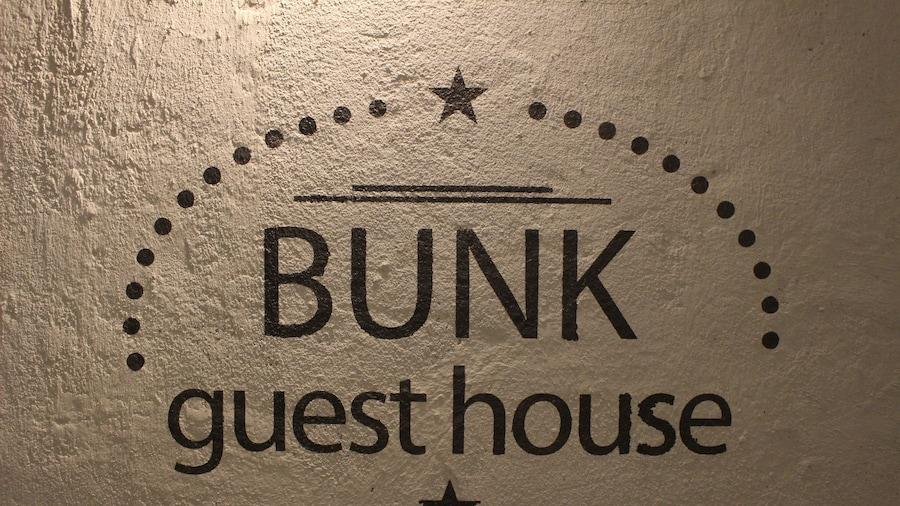 Bunk Guest House - Hostel