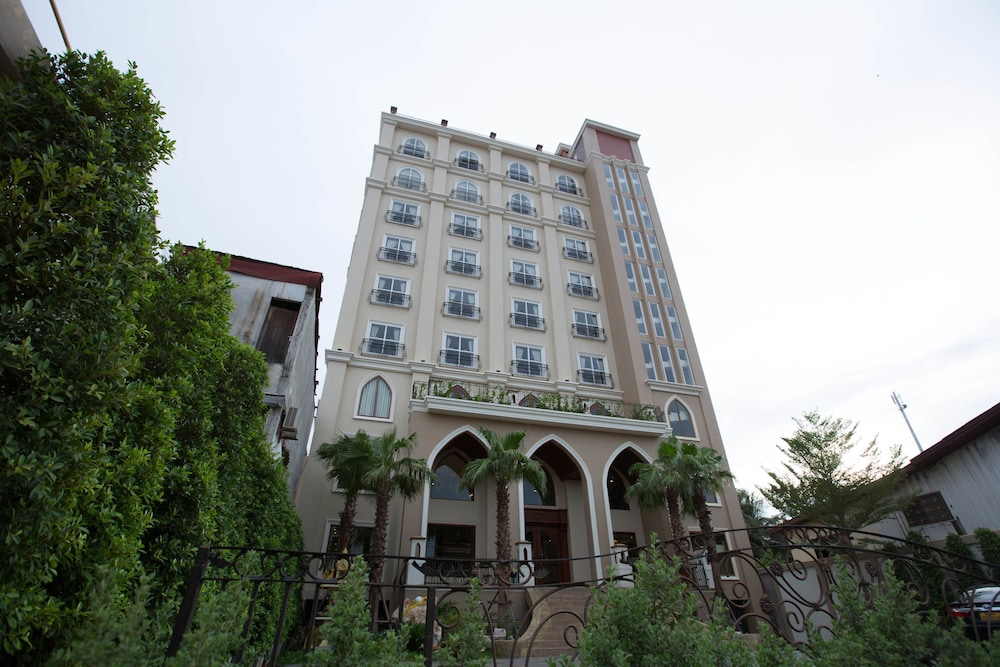 Featured Image, Capitol Residence