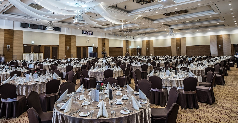 Banquet Hall, The Ocean Hotel