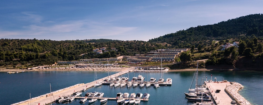 Marina, Miraggio Thermal Spa Resort