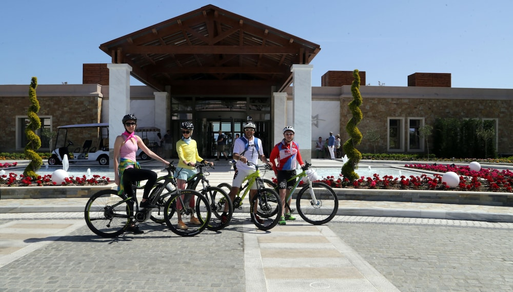 Bicycling, Miraggio Thermal Spa Resort