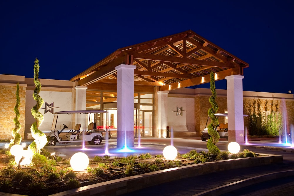 Front of Property - Evening/Night, Miraggio Thermal Spa Resort