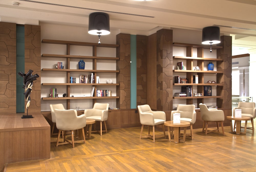 Library, Miraggio Thermal Spa Resort