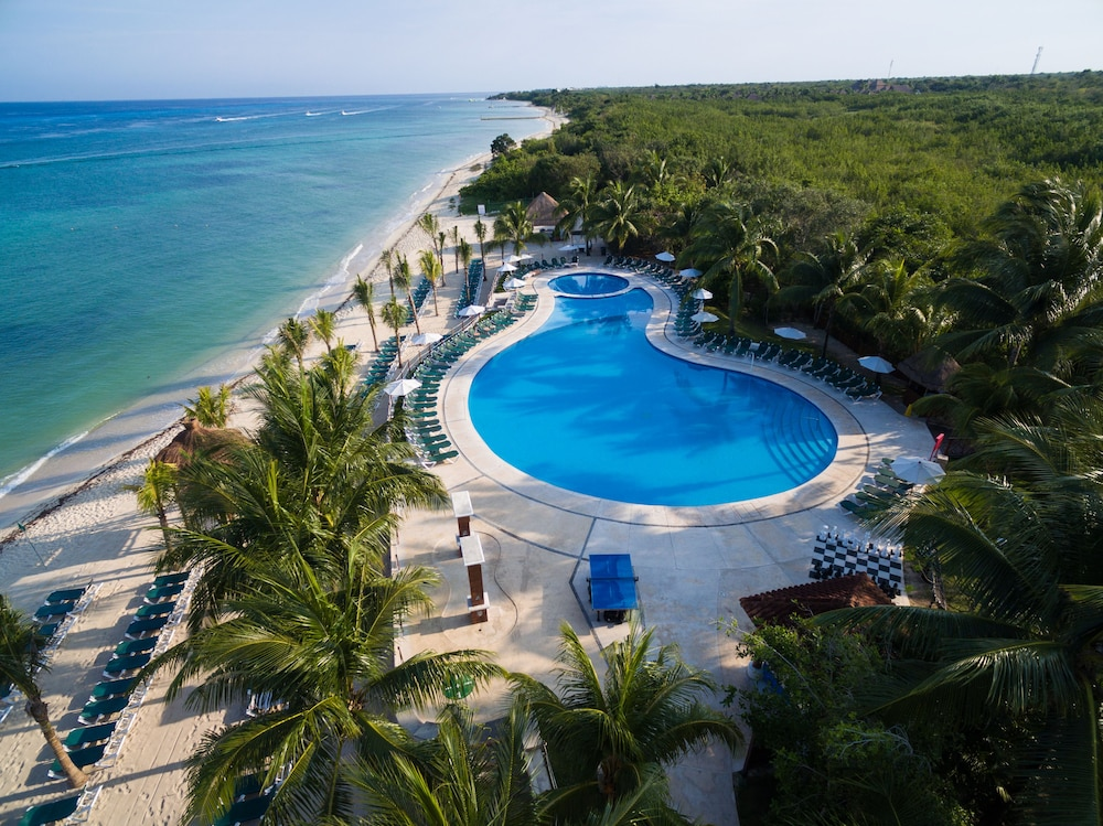 Outdoor Pool, Royal Level at Occidental Cozumel - All Inclusive