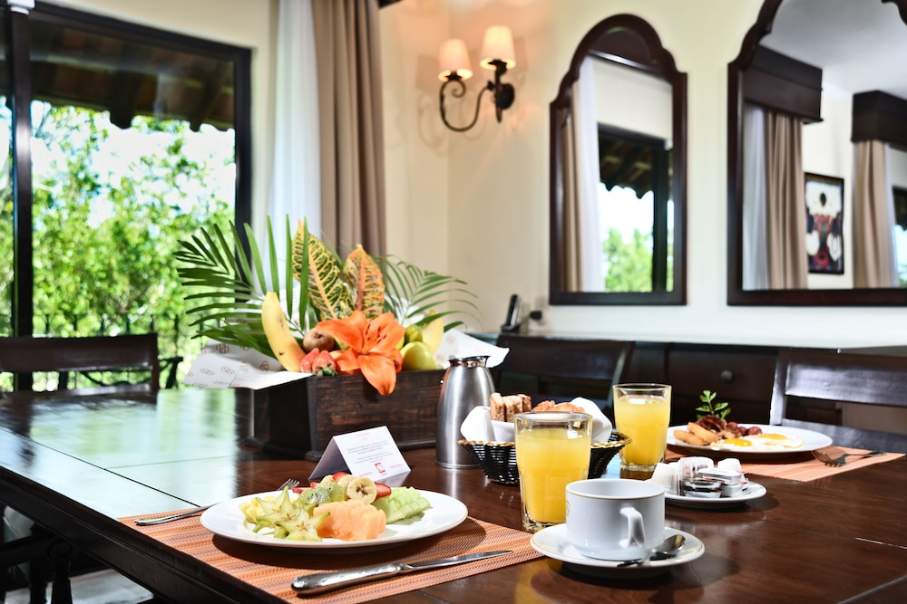 In-Room Dining, Royal Level at Occidental Cozumel - All Inclusive