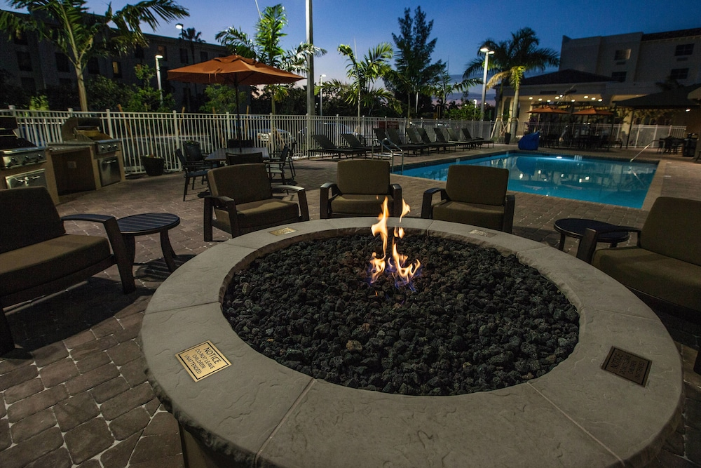 BBQ/Picnic Area, TownePlace Suites By Marriott Boynton Beach