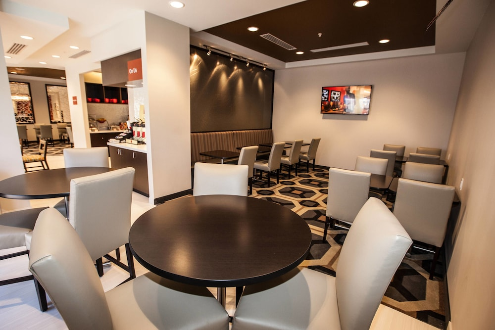 Restaurant, TownePlace Suites By Marriott Boynton Beach