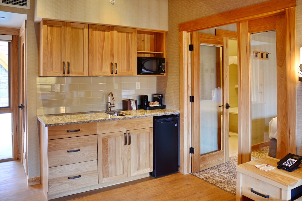 Private Kitchenette, Moose Hotel And Suites