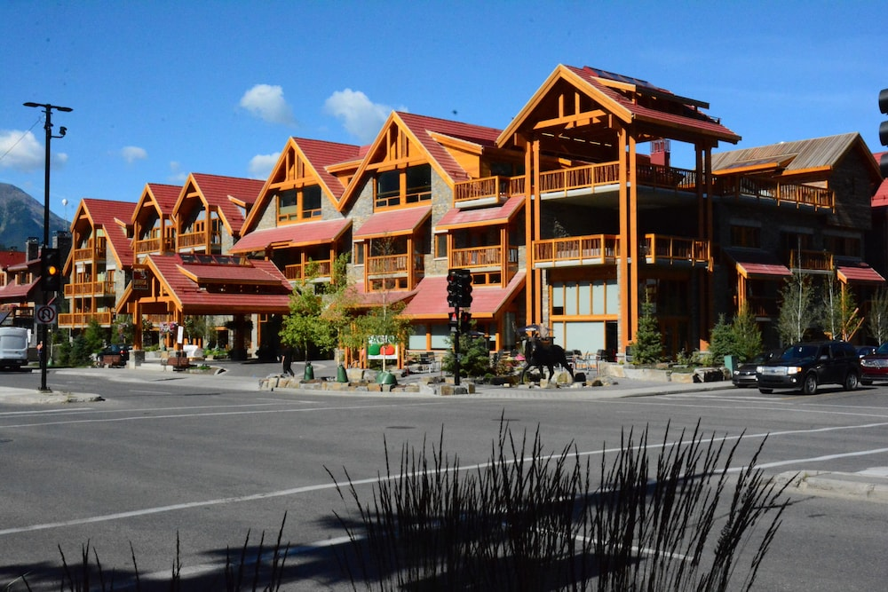 Exterior detail, Moose Hotel And Suites