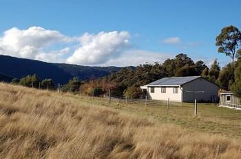 Engadine Cottage Tasmania Australia