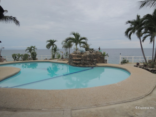 OYO 438 Ermi Beach Resort