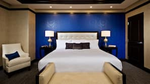 Premium bedding, in-room safe, laptop workspace, blackout curtains