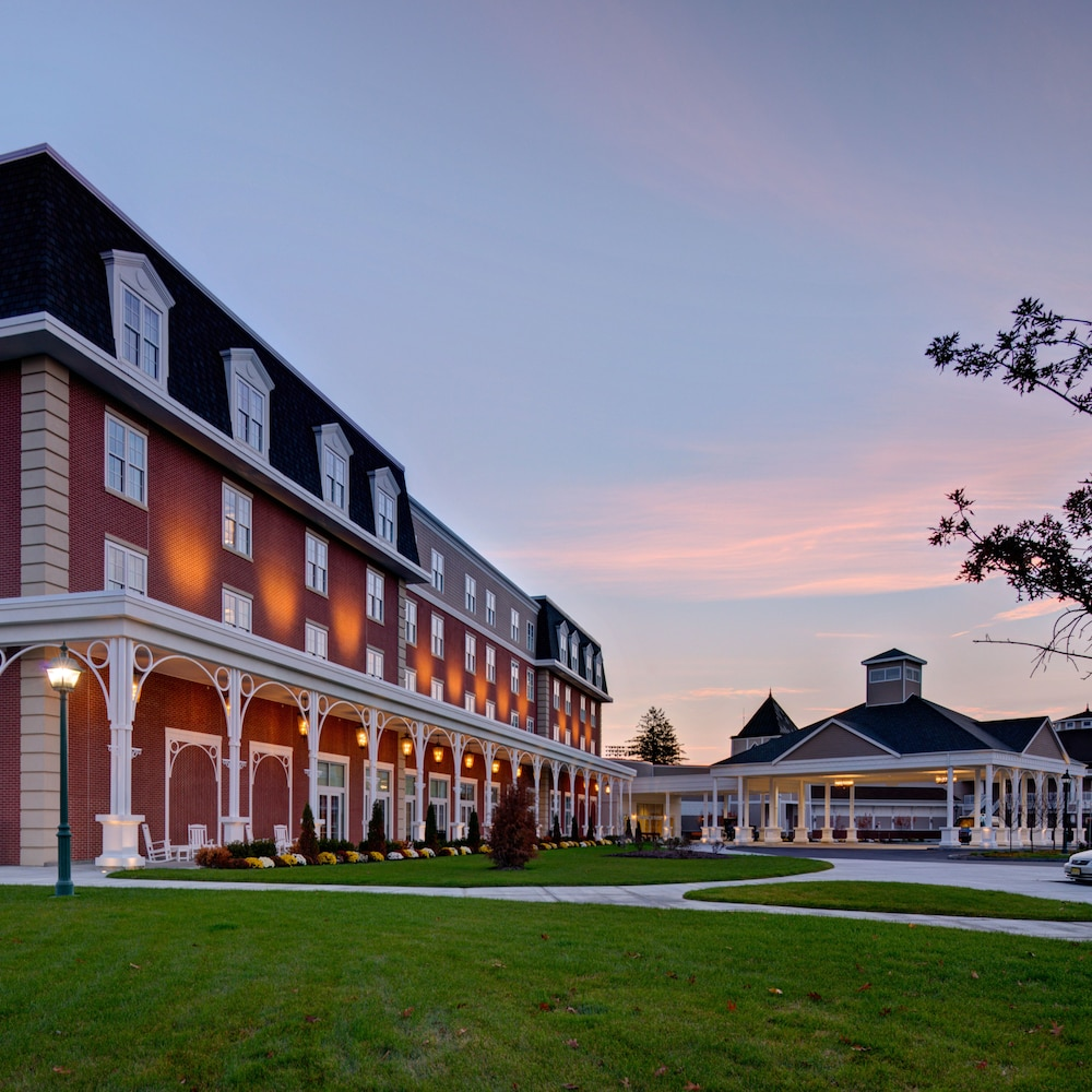 Saratoga casino hotel in saratoga springs hotel rates for Hotels saratoga springs new york