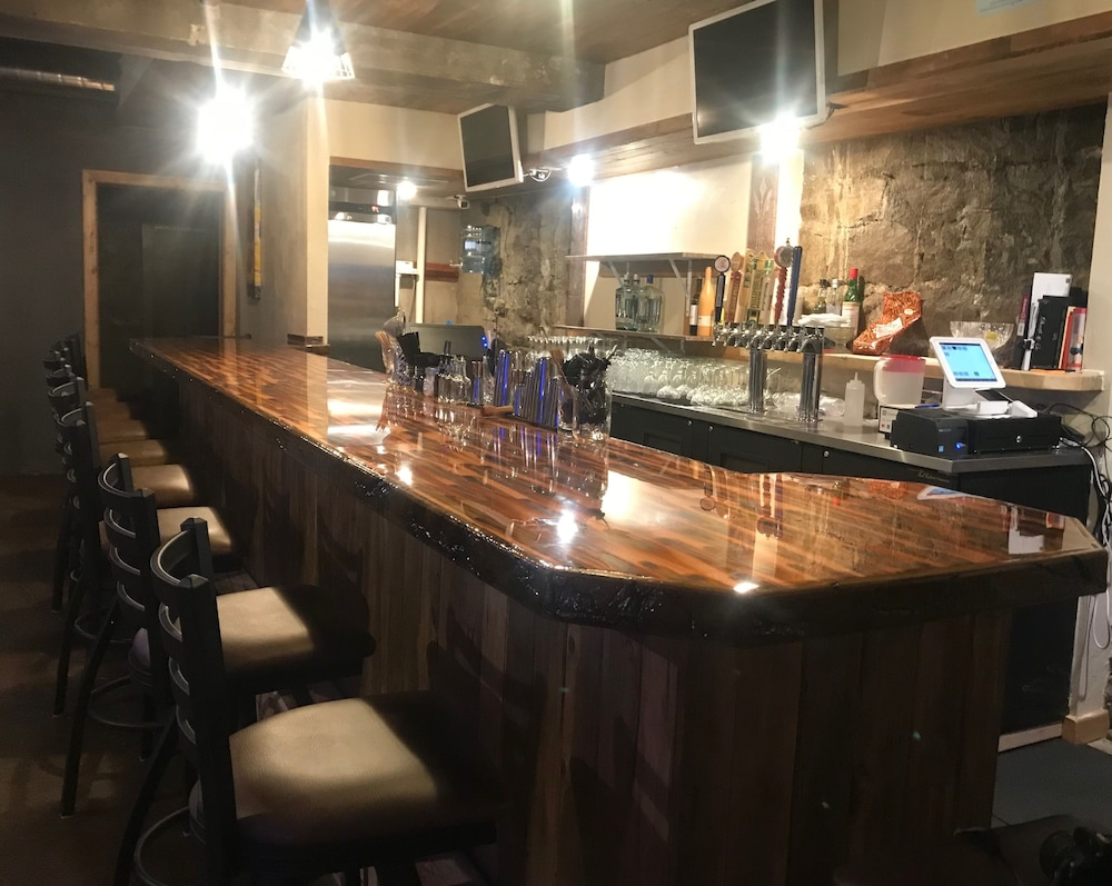 Bar, The Miner's Boutique Hotel