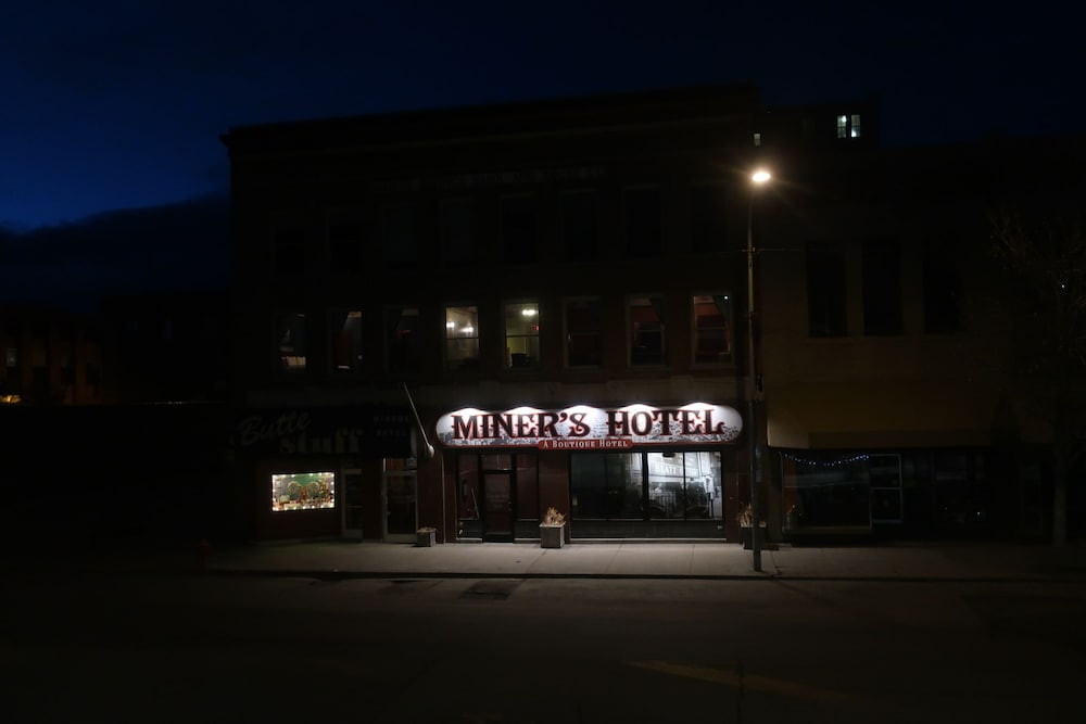 Front of Property - Evening/Night, The Miner's Boutique Hotel