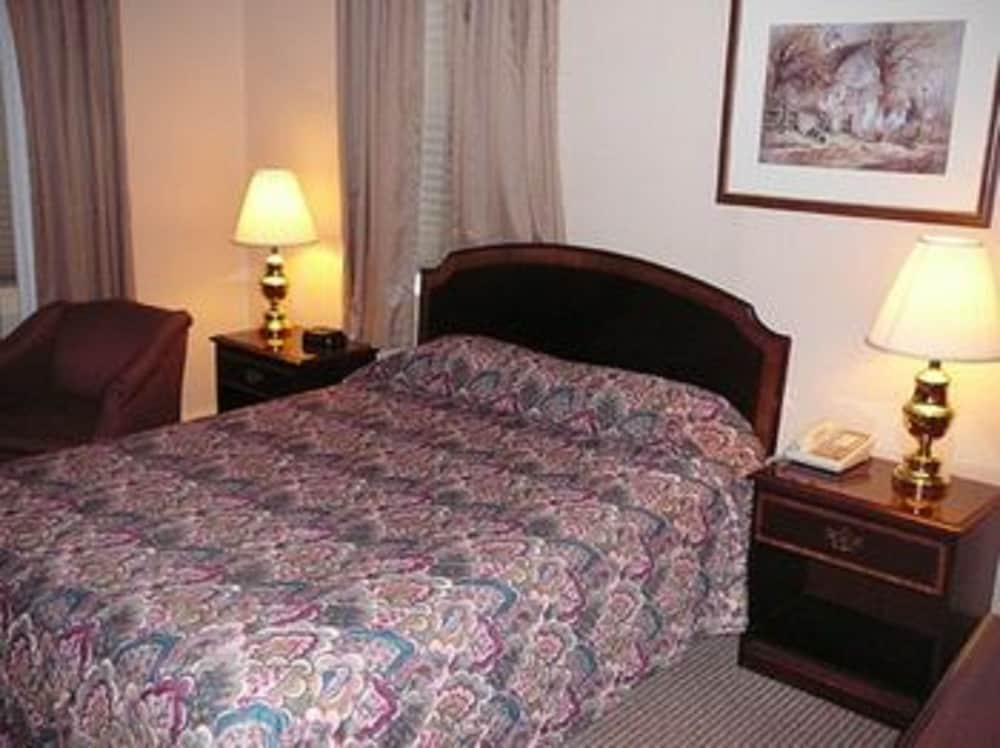 Country Squire Motor Inn In New Holland Hotel Rates