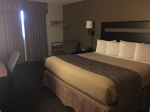 Check Expedia for Availability of Super 8 by Wyndham Lincoln North
