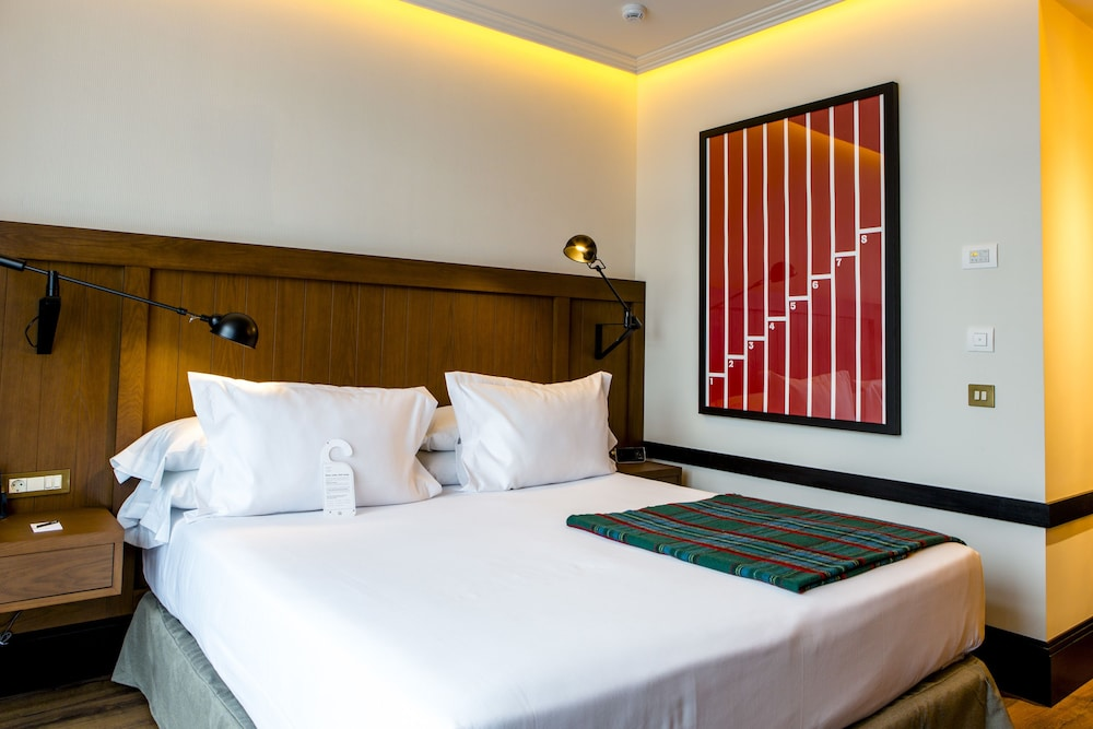 Only you hotel atocha reviews photos rates for Only you hotel