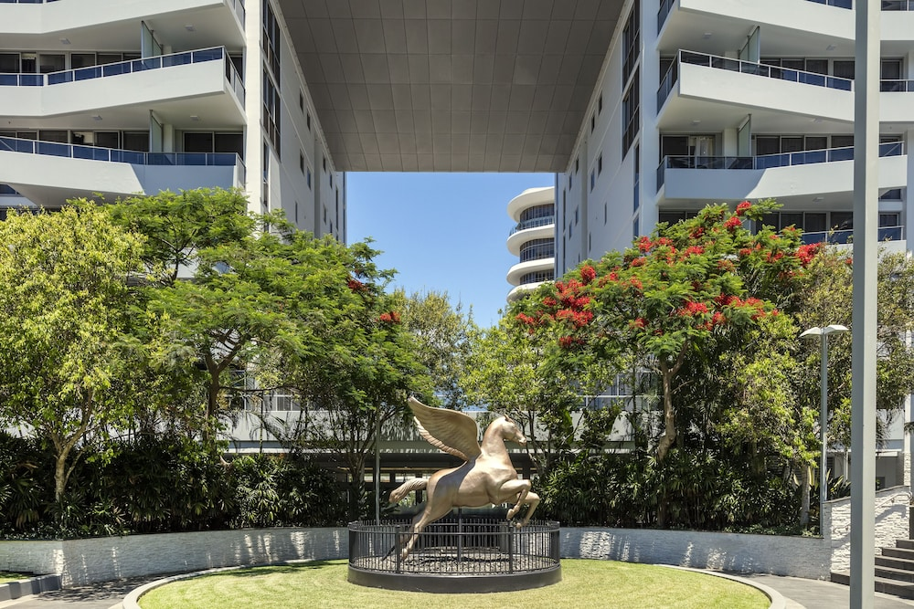 Garden, Meriton Suites Broadbeach, Gold Coast