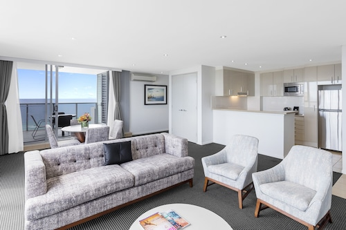 West Burleigh Accommodation: AU$104 Hotels in West Burleigh | Wotif