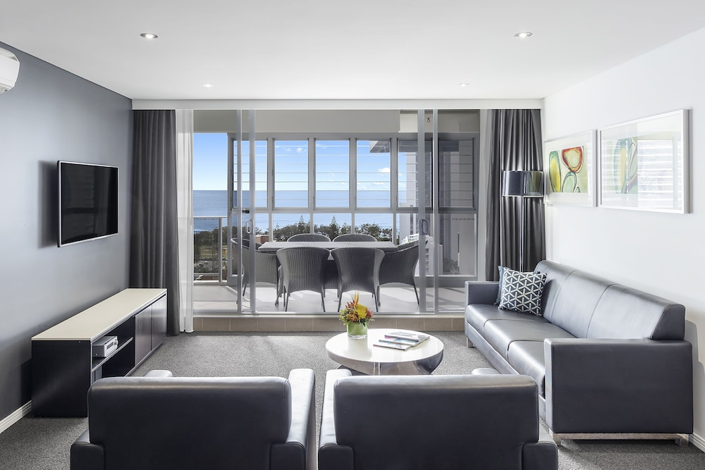 Living Room, Meriton Suites Broadbeach, Gold Coast