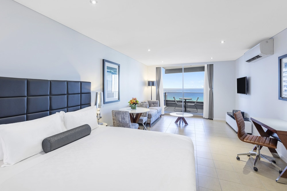 Living Area, Meriton Suites Broadbeach, Gold Coast