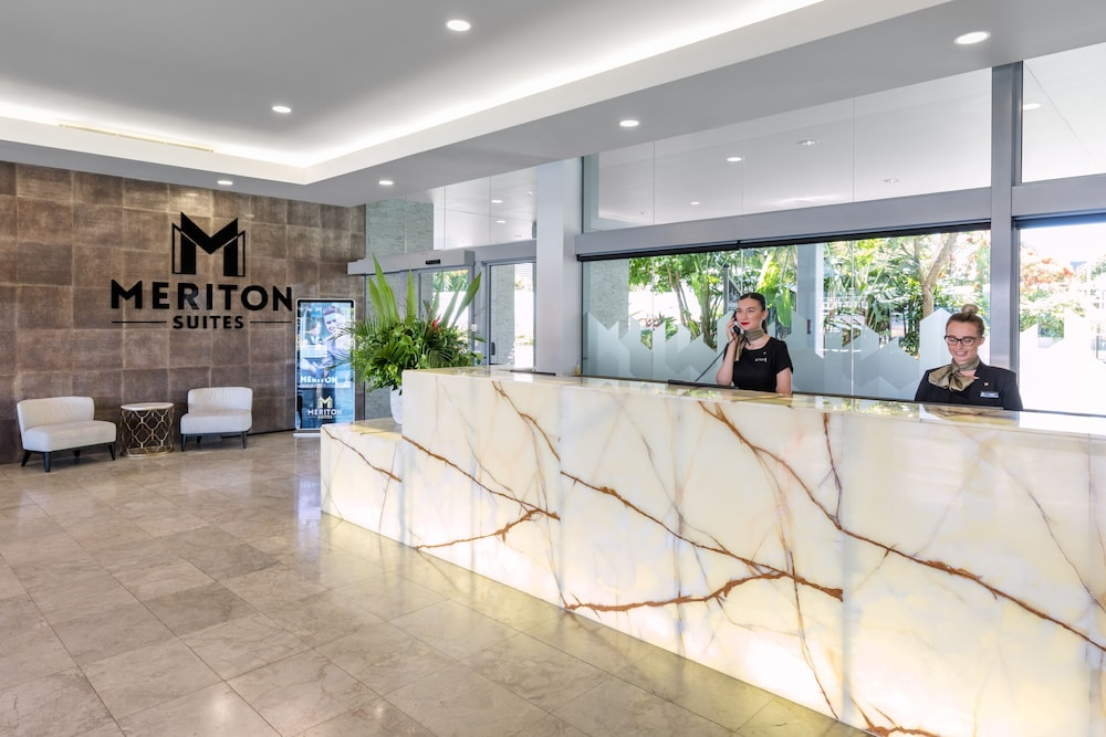Reception, Meriton Suites Broadbeach, Gold Coast