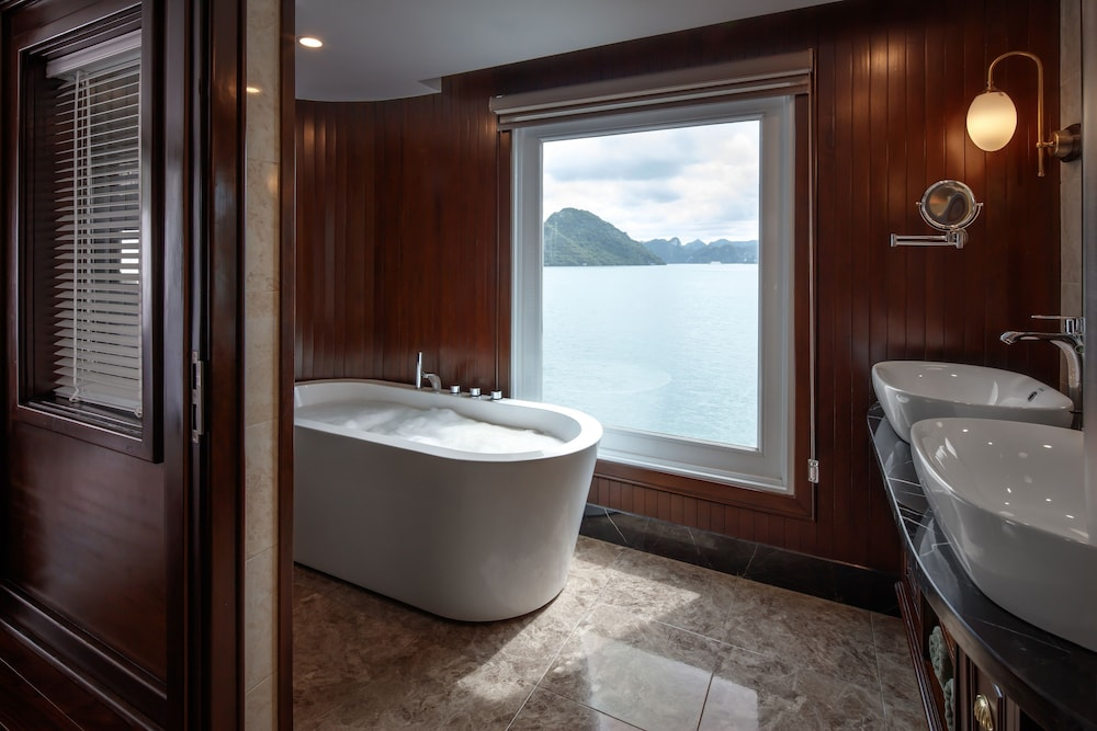 Bathroom, Paradise Elegance Cruise