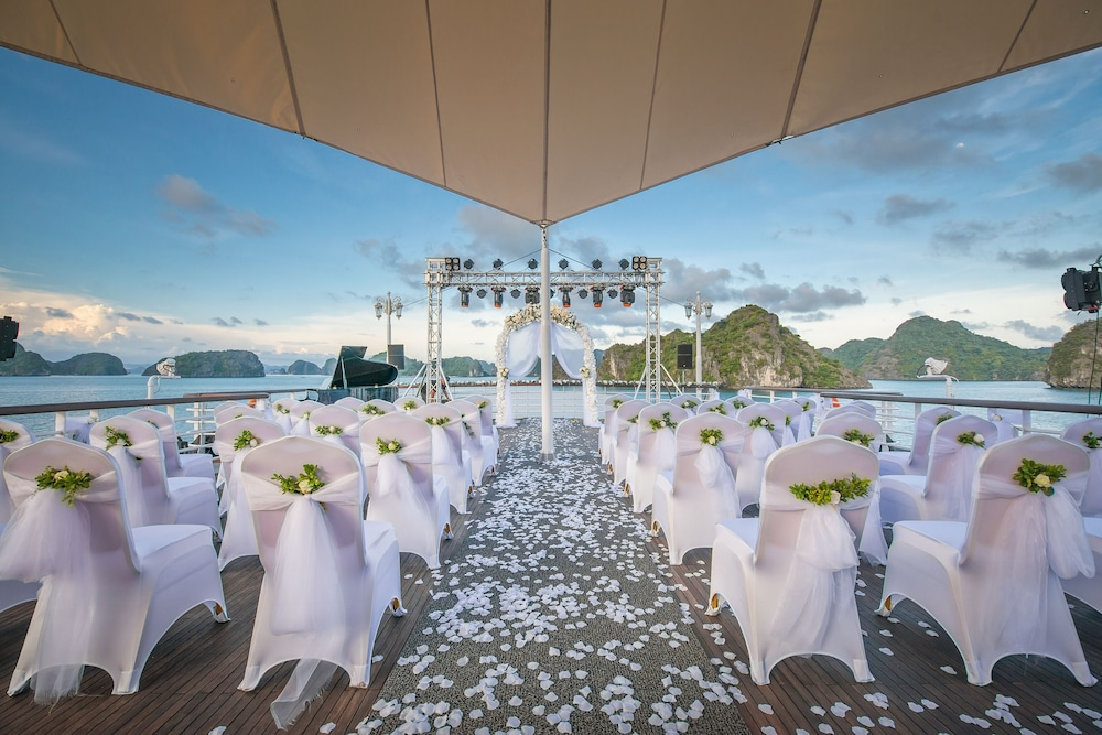 Outdoor Wedding Area, Paradise Elegance Cruise