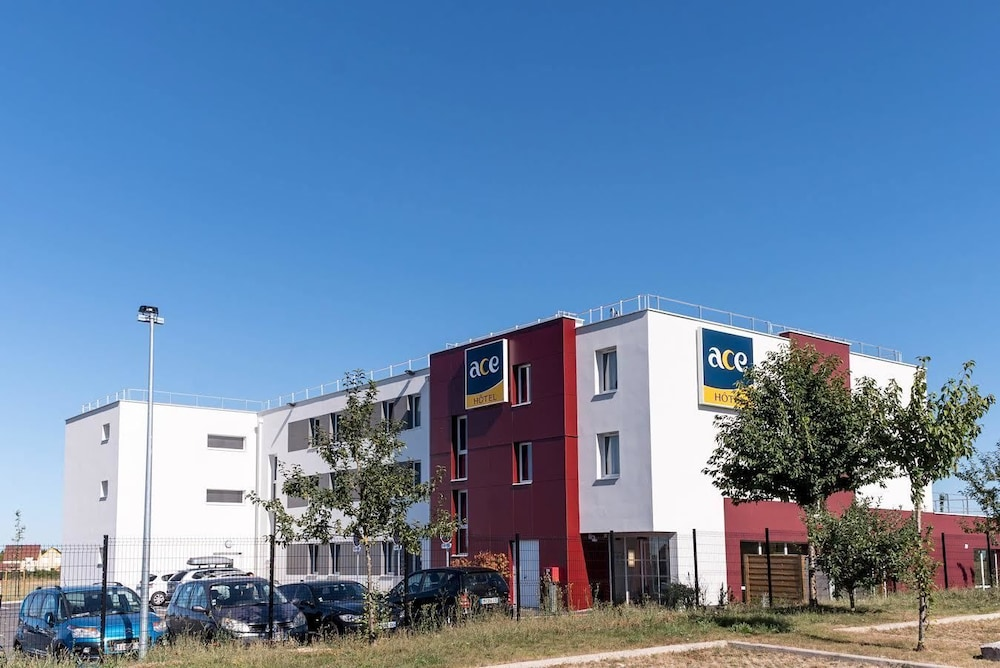 Book ace h tel troyes saint andre les vergers hotel deals for Hotels troyes