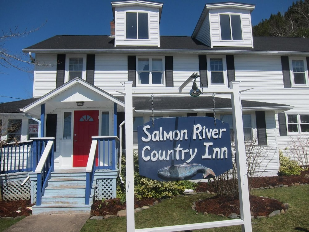 Exterior, Salmon River Country Inn