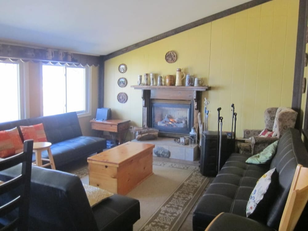 Living Room, Salmon River Country Inn