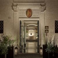 Palazzo Scanderbeg (24 of 27)
