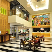 MaxOneHotels.com at Kramat