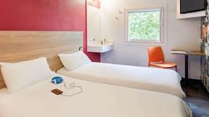 Free rollaway beds, free WiFi, linens