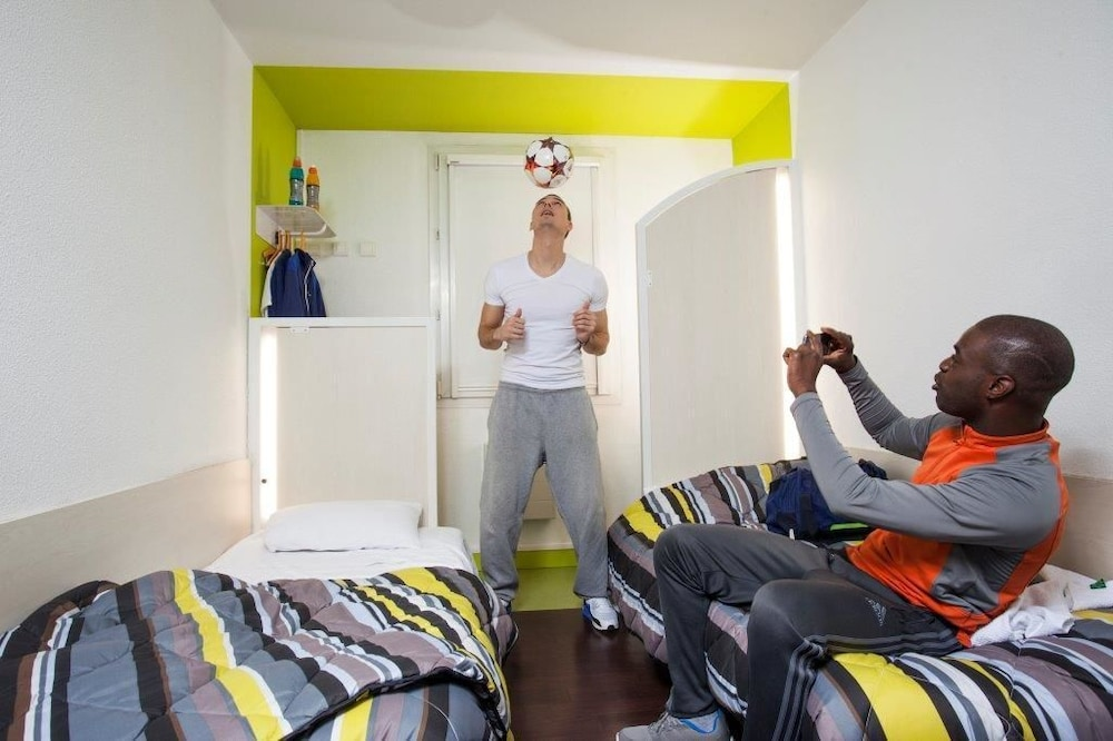 hotelf1 chamb ry nord reviews photos rates. Black Bedroom Furniture Sets. Home Design Ideas