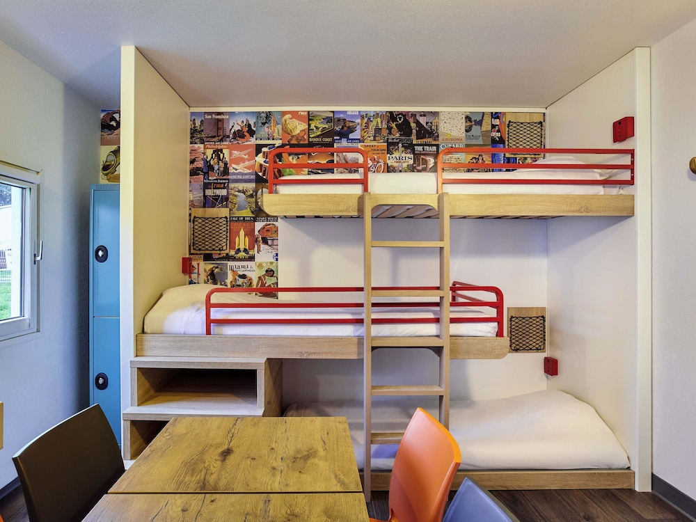 hotelf1 nice villeneuve loubet r nov villeneuve loubet fra best price guarantee lastminute. Black Bedroom Furniture Sets. Home Design Ideas