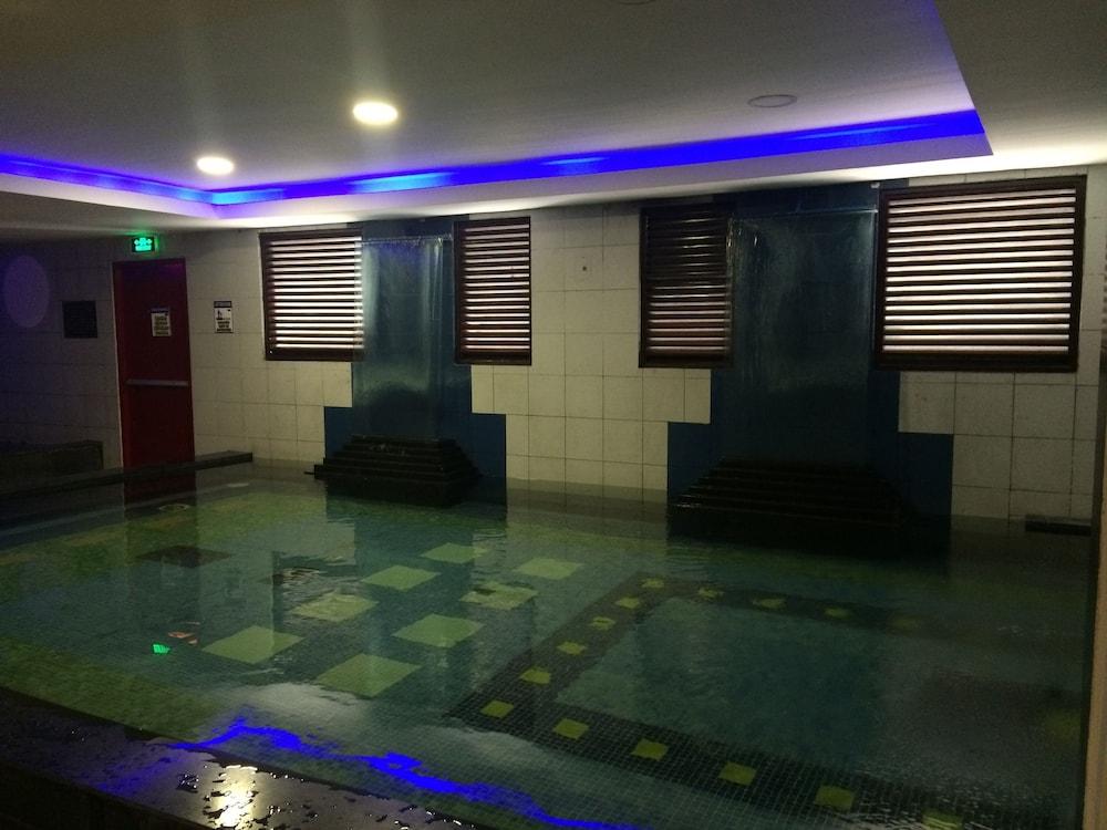 Book Icon Hotel Timog Quezon City Hotel Deals