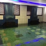 Icon Hotel Timog Quezon City Phl Expedia Com Ph