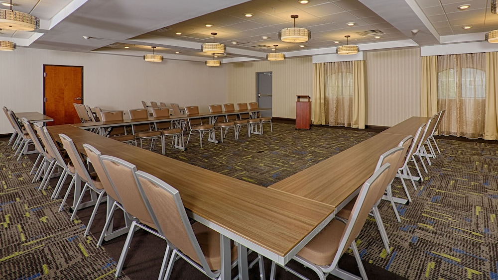 Banquet Hall, Holiday Inn Express Bordentown - Trenton South, an IHG Hotel