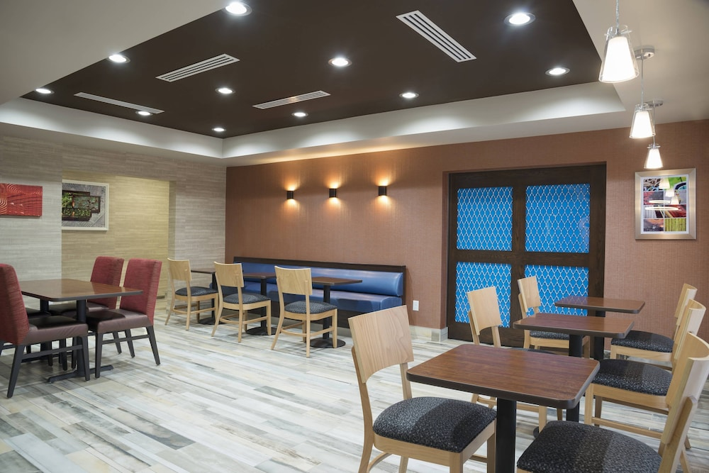 Restaurant, TownePlace Suites by Marriott Mansfield