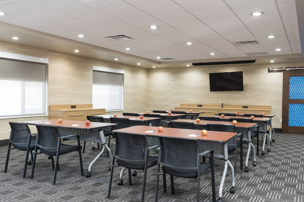 Meeting Facility, TownePlace Suites by Marriott Mansfield