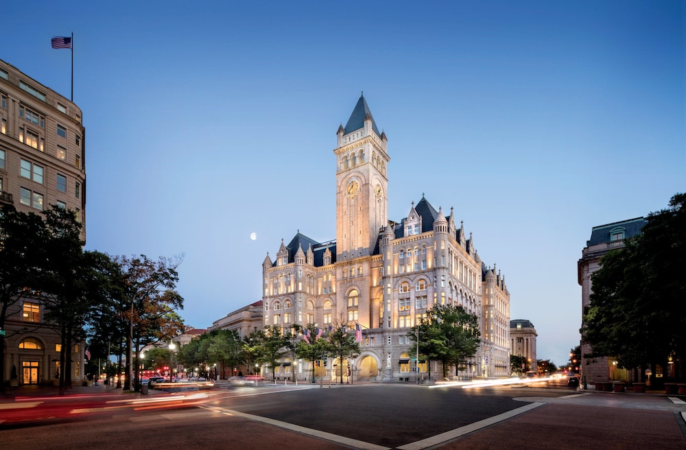 Street View, Trump International Hotel Washington DC